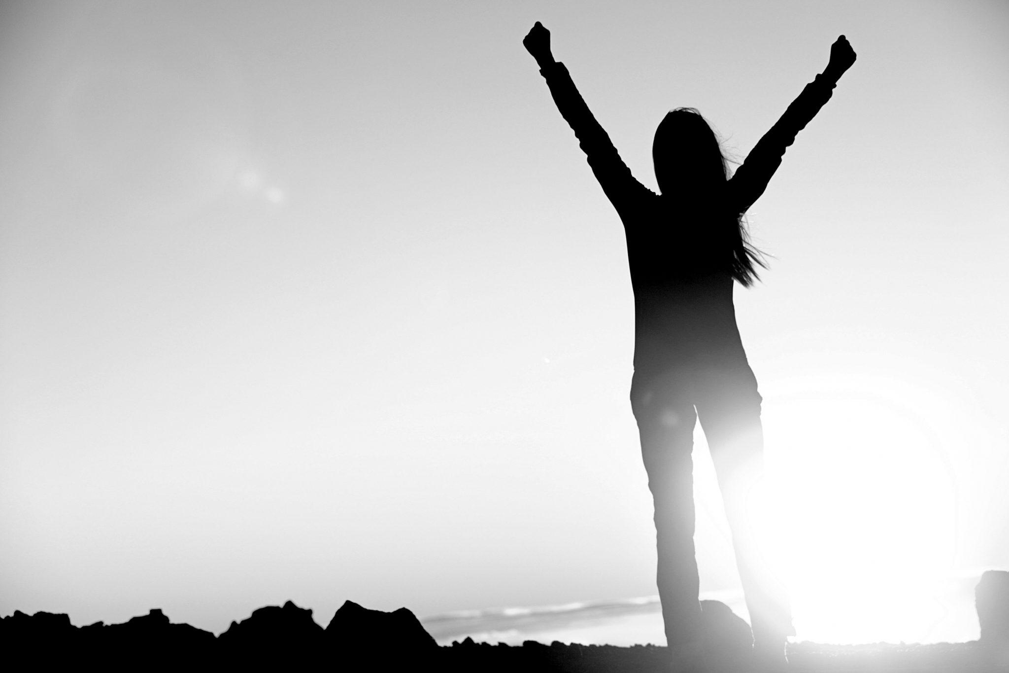 Celebrating woman - Skyblu Condos - Condos neufs à vendre